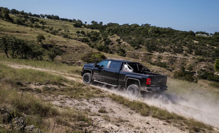 2017 GMC Sierra 2500 Denali HD - Slide 11
