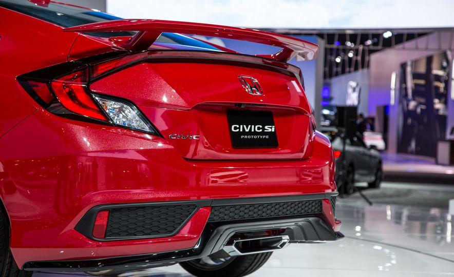 2017 Honda Civic Si coupe prototype - Slide 11