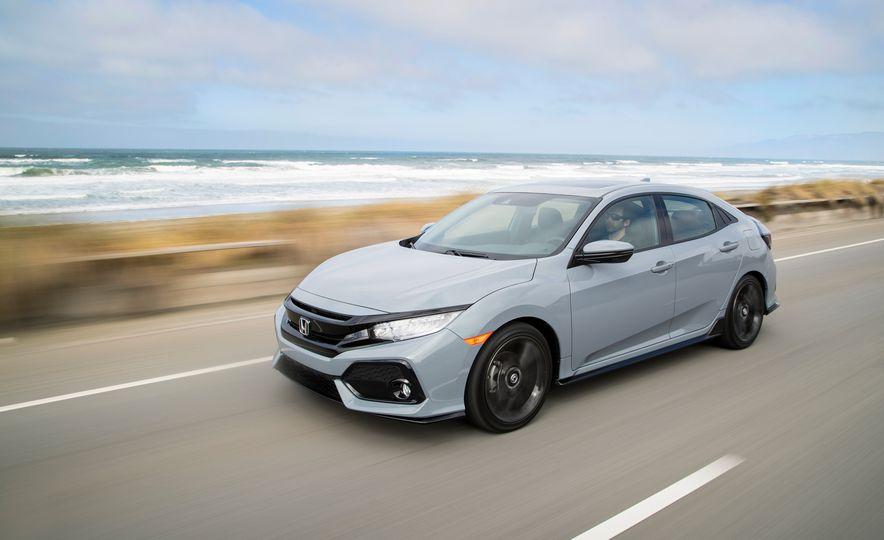 2017 Honda Civic hatchback - Slide 1