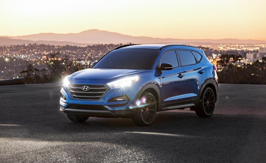 2017 Hyundai Tucson Night Edition - Slide 8
