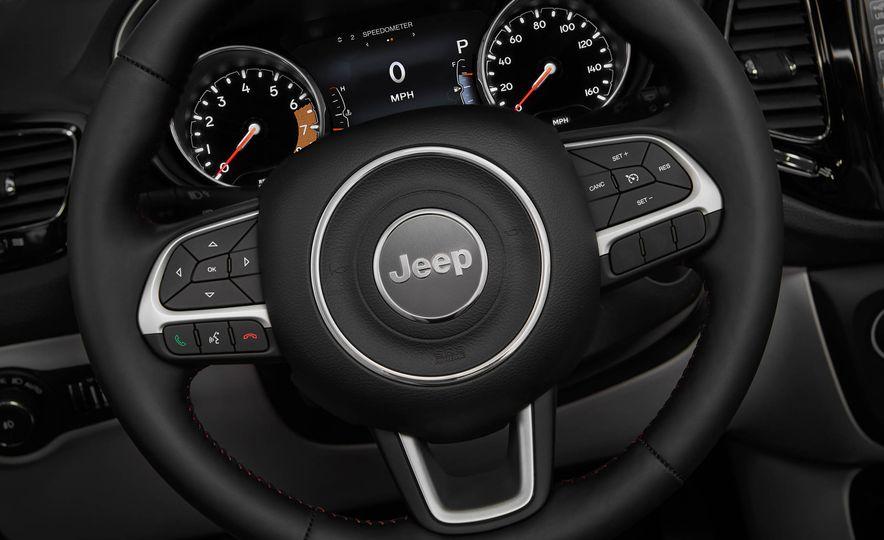 2017 Jeep Compass - Slide 33