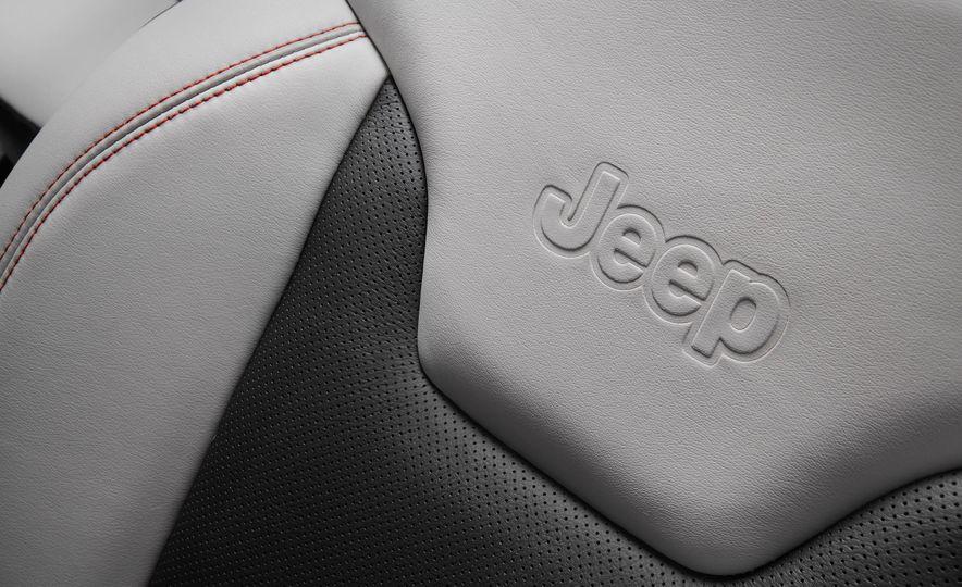 2017 Jeep Compass - Slide 39