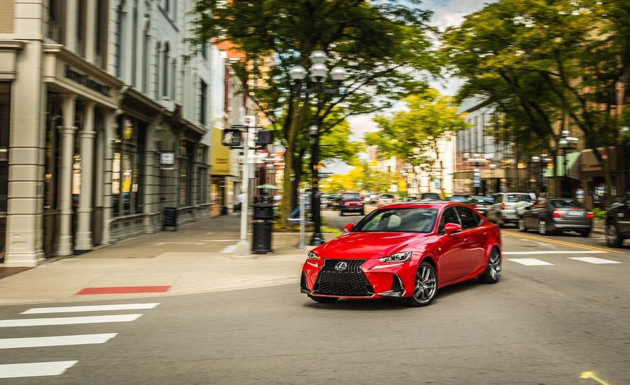 2017 Lexus IS200t F Sport - Slide 2