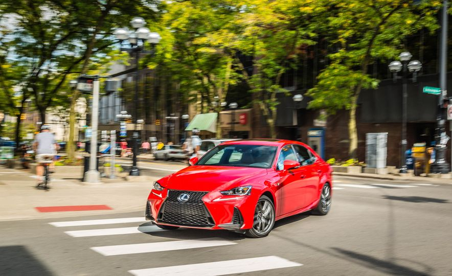 2017 Lexus IS200t F Sport - Slide 5