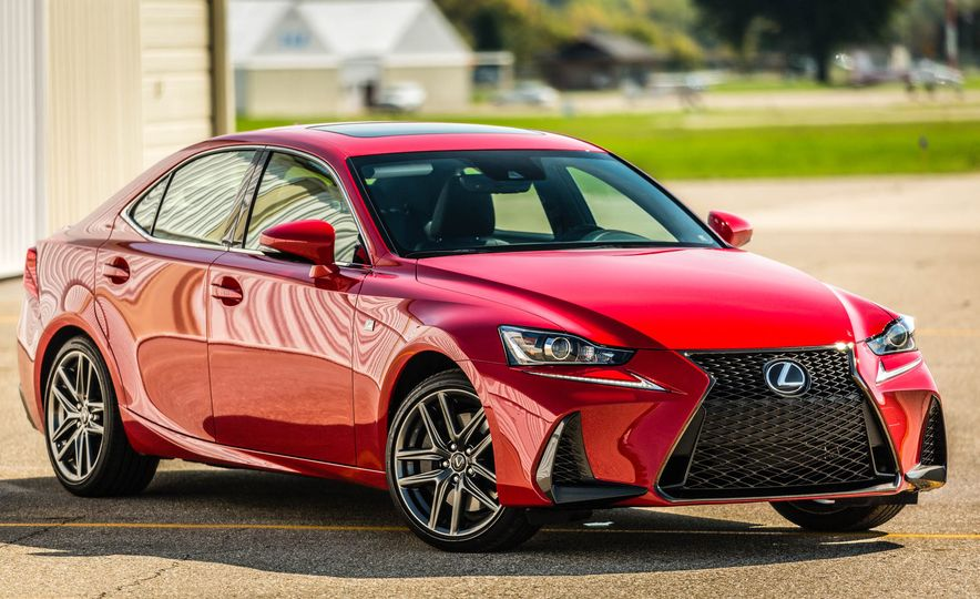2017 Lexus IS200t F Sport - Slide 16