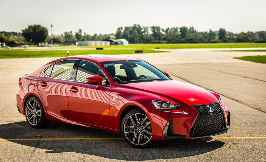 2017 Lexus IS200t F Sport - Slide 17