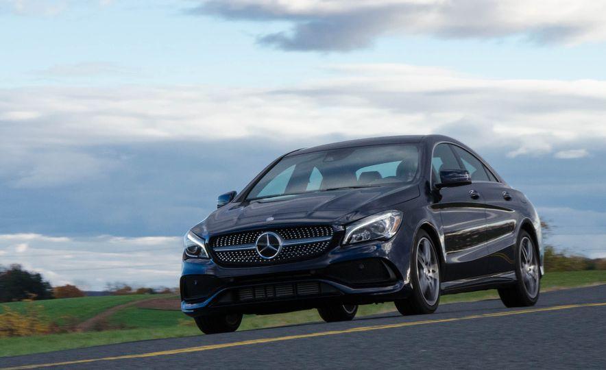 2017 Mercedes-Benz CLA250 4MATIC - Slide 3