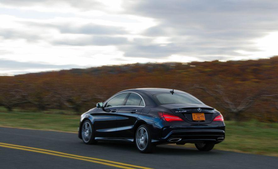 2017 Mercedes-Benz CLA250 4MATIC - Slide 5