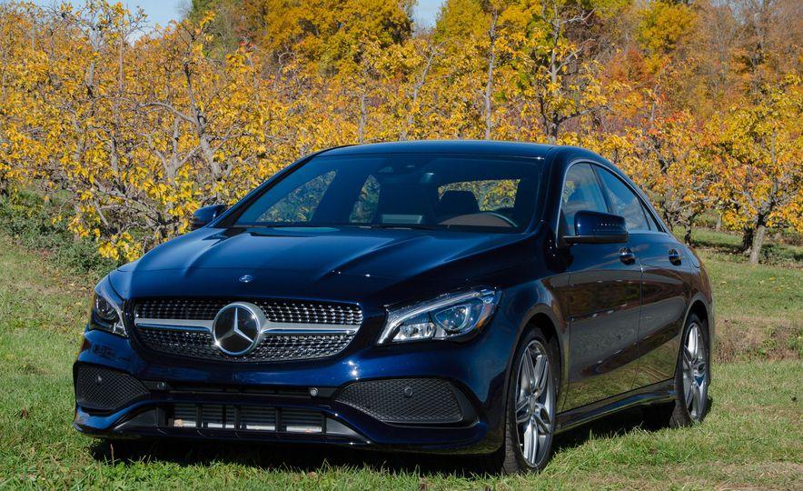 2017 Mercedes-Benz CLA250 4MATIC - Slide 7