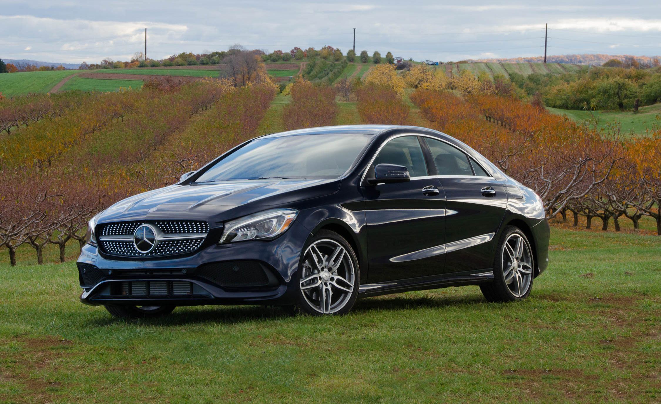 mercedes benz cla class reviews mercedes benz cla class price photos and specs car and driver. Black Bedroom Furniture Sets. Home Design Ideas