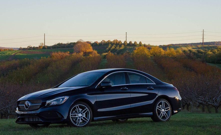 2017 Mercedes-Benz CLA250 4MATIC - Slide 10