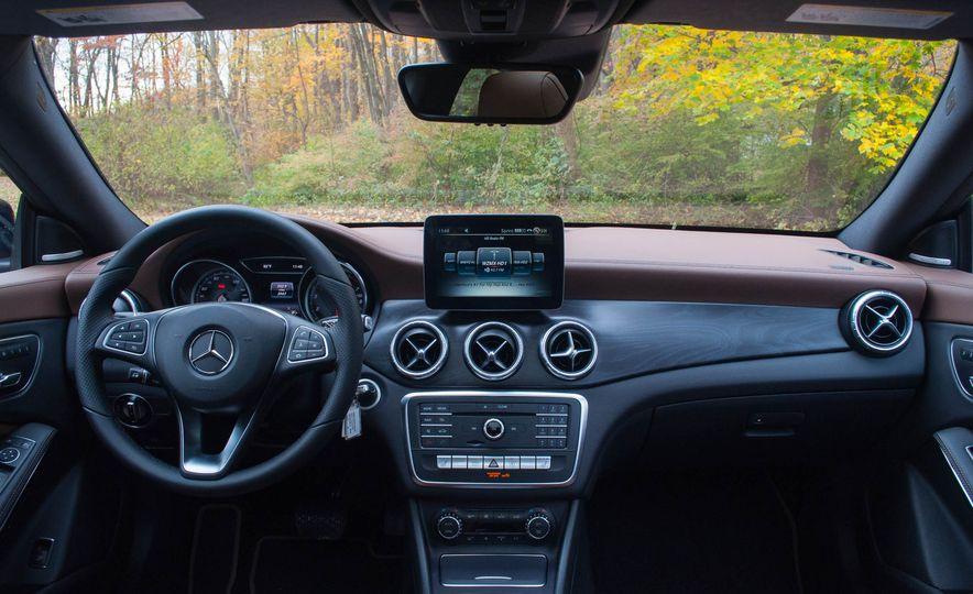 2017 Mercedes-Benz CLA250 4MATIC - Slide 16