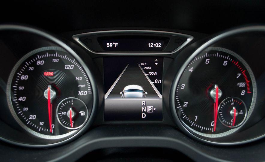 2017 Mercedes-Benz CLA250 4MATIC - Slide 19