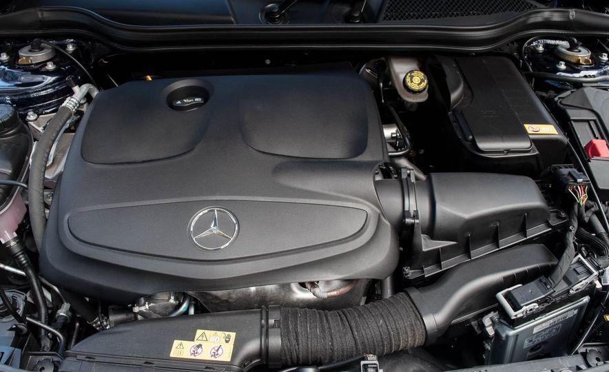 2017 Mercedes-Benz CLA250 4MATIC - Slide 21
