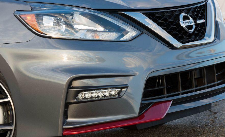 2017 Nissan Sentra NISMO - Slide 40