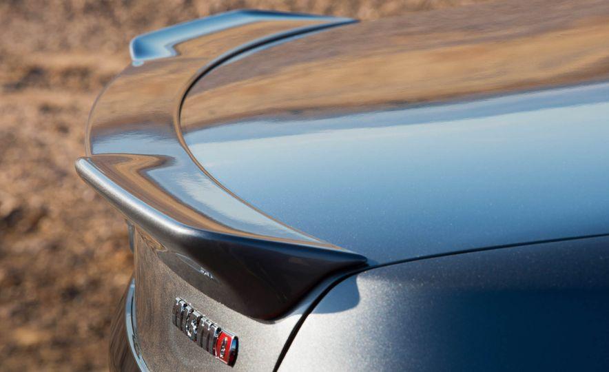 2017 Nissan Sentra NISMO - Slide 44