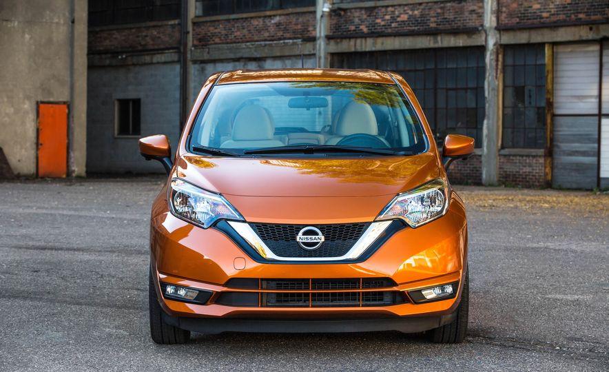 2017 Nissan Versa Note - Slide 1