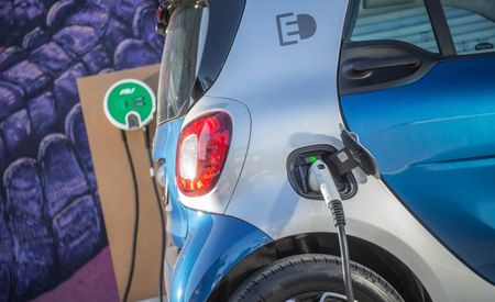 Smart Embraces ED, Will Drop Gasoline-Powered Fortwo