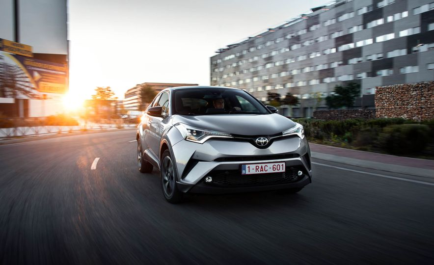 2017 Toyota C-HR (Euro-spec) - Slide 1
