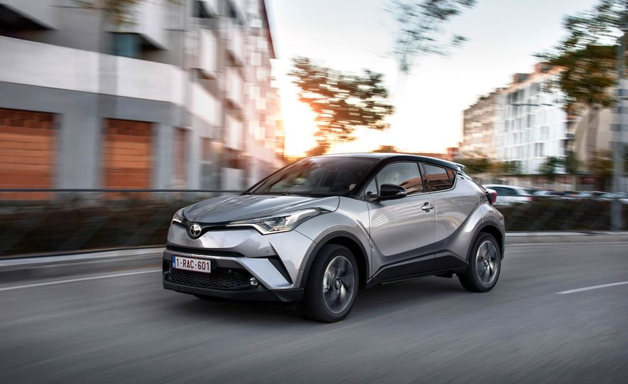 2017 Toyota C-HR (Euro-spec) - Slide 6