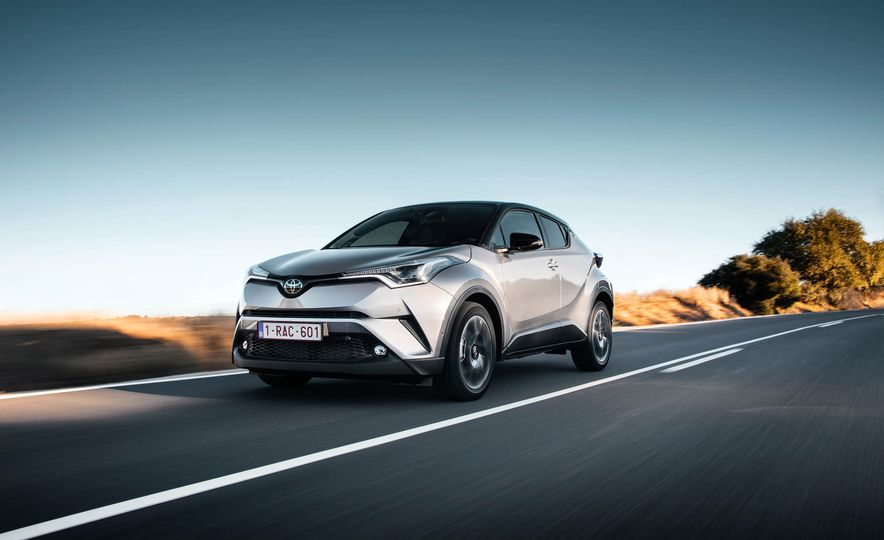 2017 Toyota C-HR (Euro-spec) - Slide 7