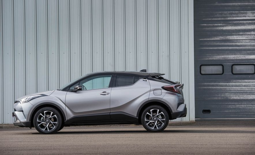 2017 Toyota C-HR (Euro-spec) - Slide 19