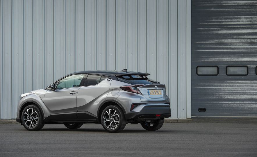 2017 Toyota C-HR (Euro-spec) - Slide 20