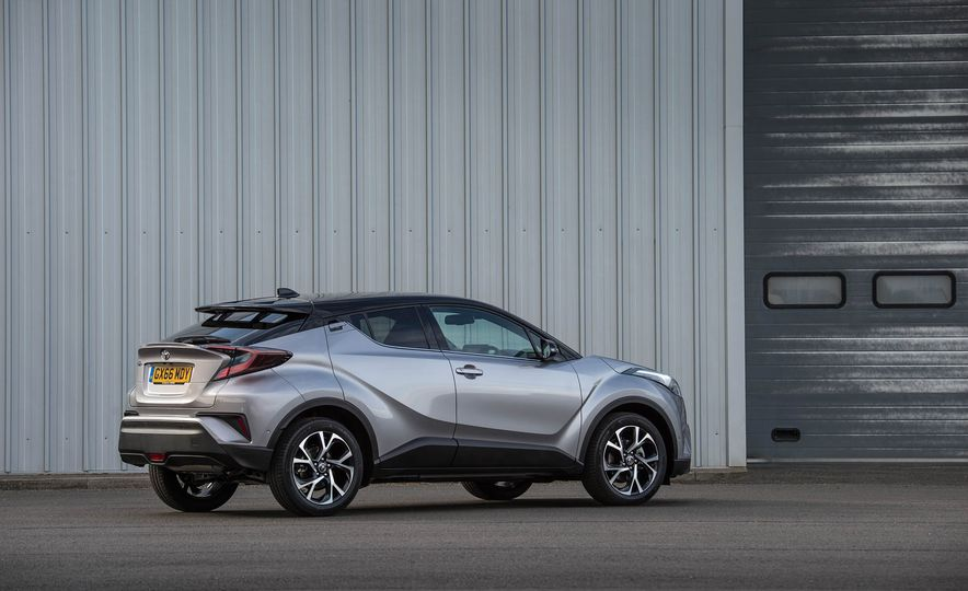 2017 Toyota C-HR (Euro-spec) - Slide 24