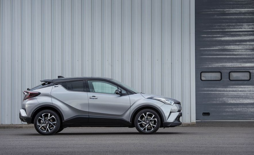 2017 Toyota C-HR (Euro-spec) - Slide 25