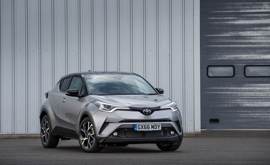 2017 Toyota C-HR (Euro-spec) - Slide 27