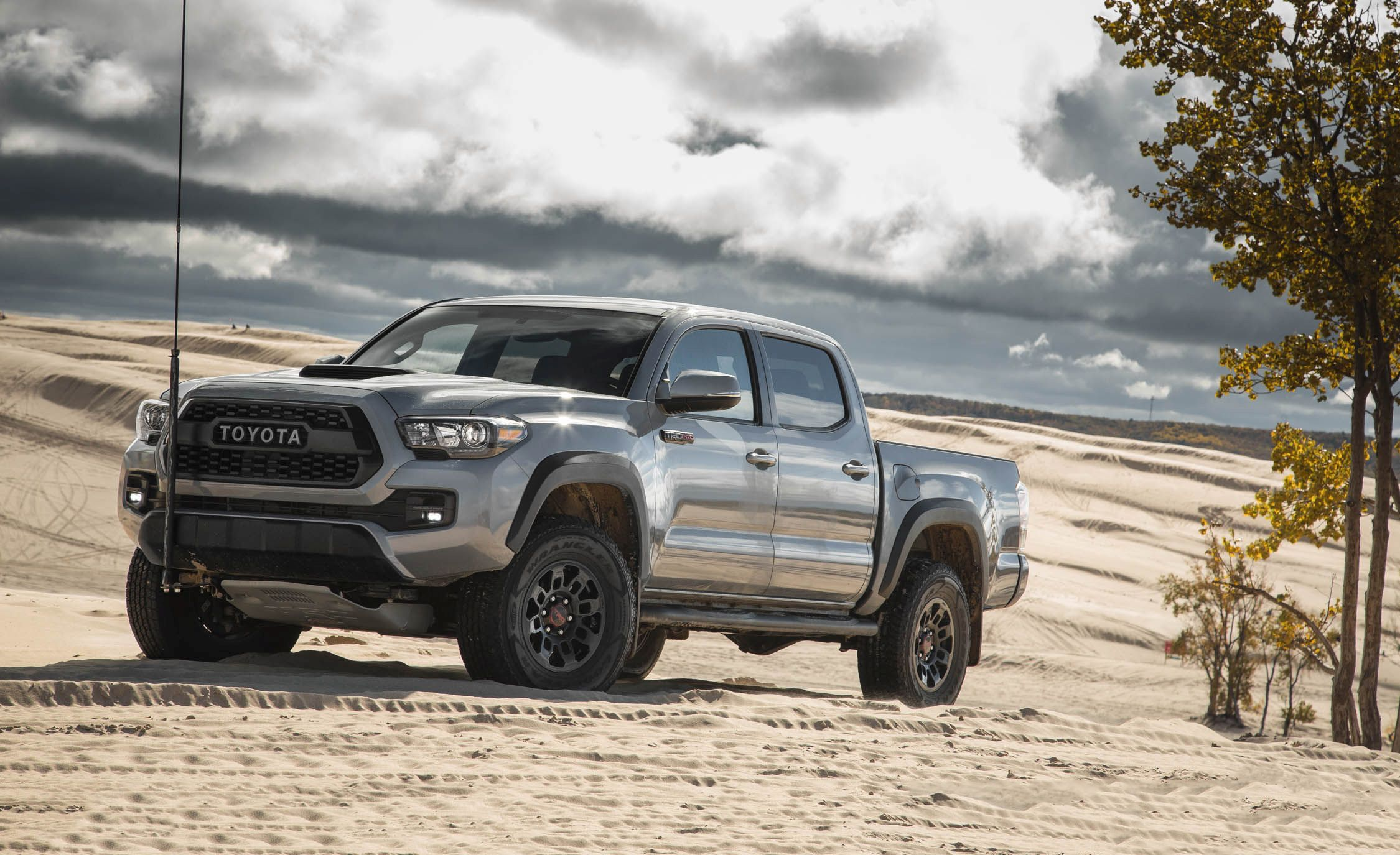 2017 toyota tacoma pictures photo gallery car and driver. Black Bedroom Furniture Sets. Home Design Ideas