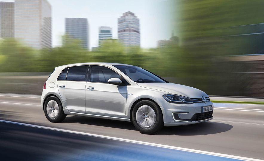 2017 Volkswagen e-Golf - Slide 1