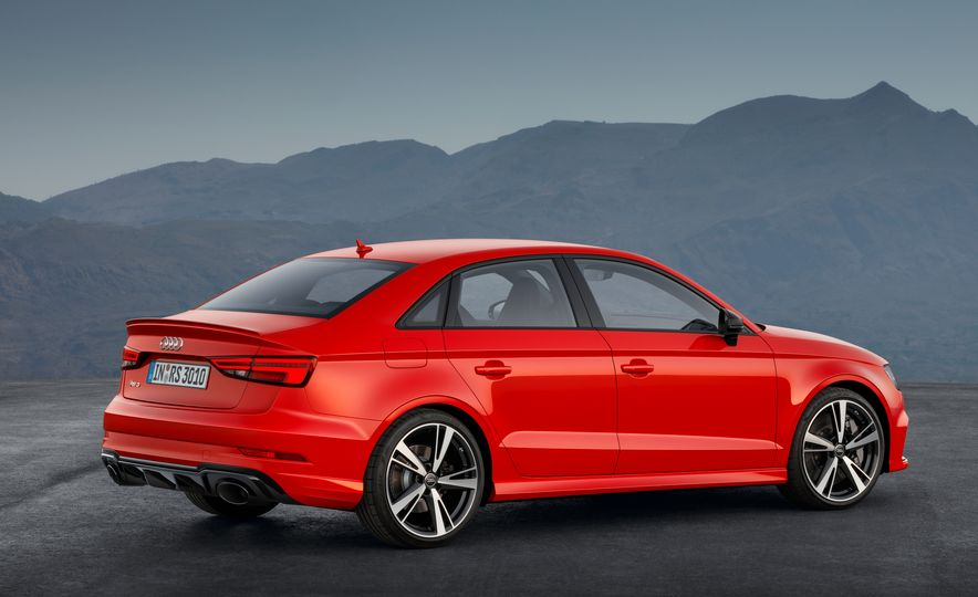 2018 Audi RS3 - Slide 8