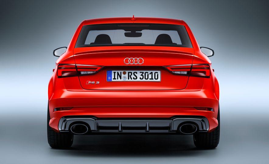 2018 Audi RS3 - Slide 12