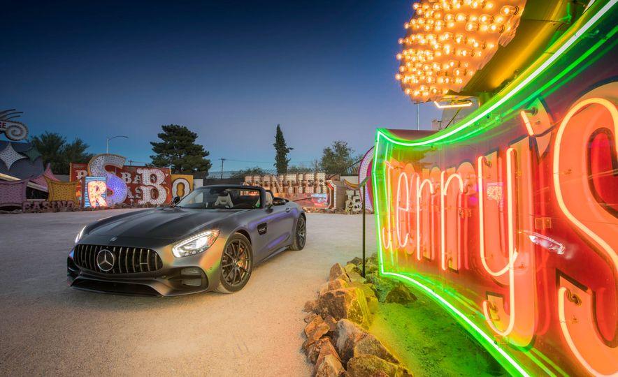 2018 Mercedes-AMG GT / GT C Roadster - Slide 37
