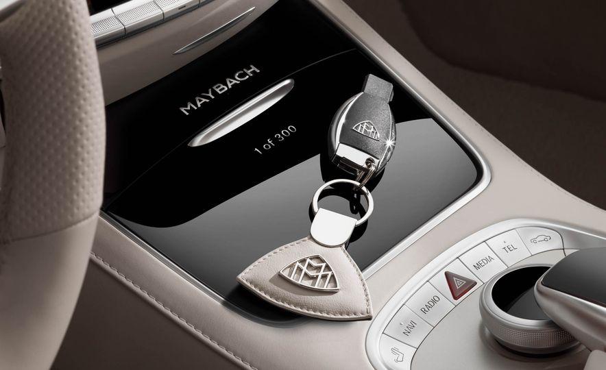 2017 Mercedes-Maybach S650 cabriolet - Slide 31