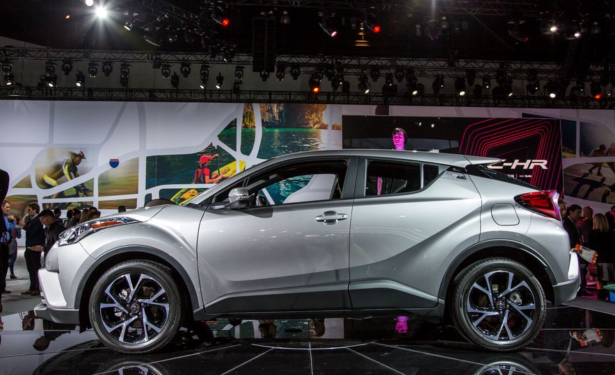 2018 Toyota C-HR - Slide 3