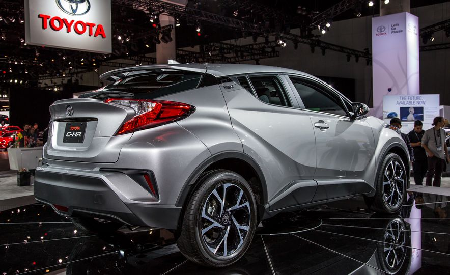2018 Toyota C-HR - Slide 4