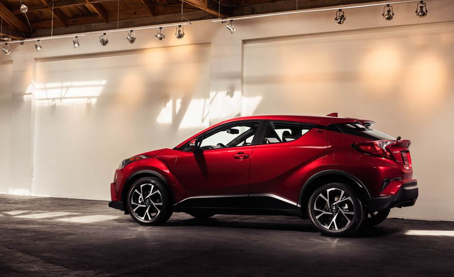 2018 Toyota C-HR - Slide 11