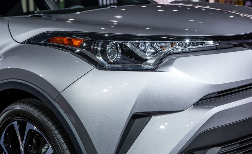 2018 Toyota C-HR - Slide 5