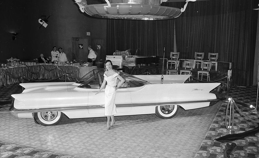 The Greatest Concept Cars of the 1950s - Slide 4