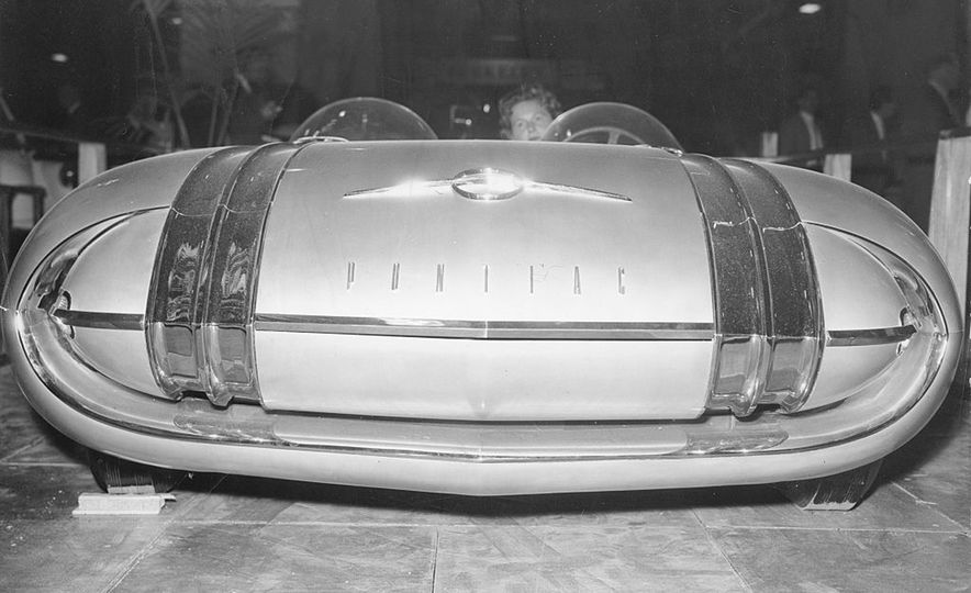 The Greatest Concept Cars of the 1950s - Slide 8