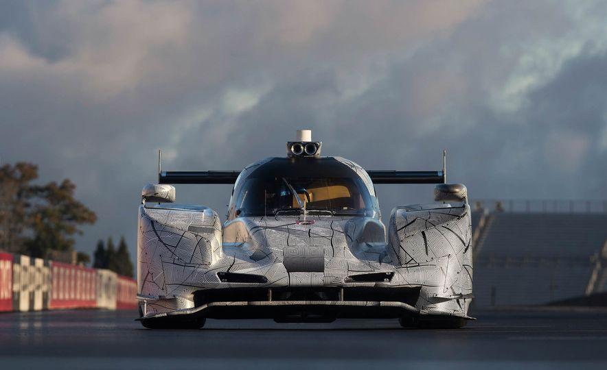 Cadillac DPi-V.R prototype race car - Slide 12