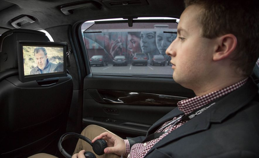 Streaming Video Comes to Cadillac CT6 and Escalade - Slide 1