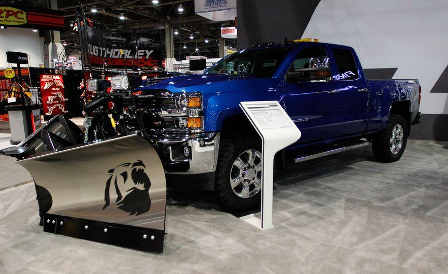 Chevrolet Silverado HD Alaskan edition - Slide 1
