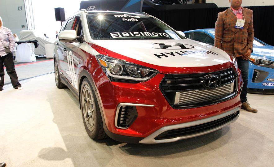 Hyundai Santa Fe Bisimoto - Slide 1