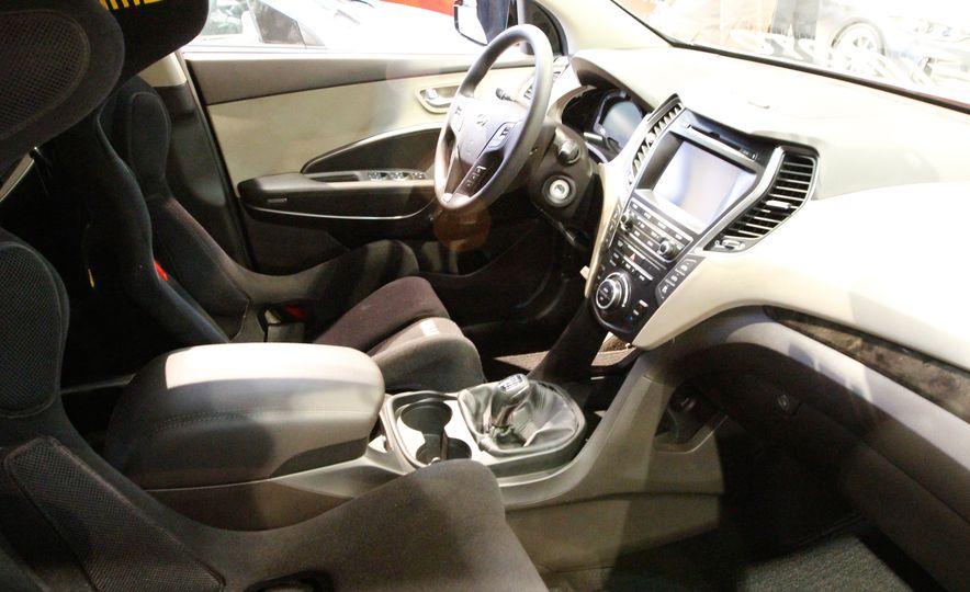 Hyundai Santa Fe Bisimoto - Slide 3