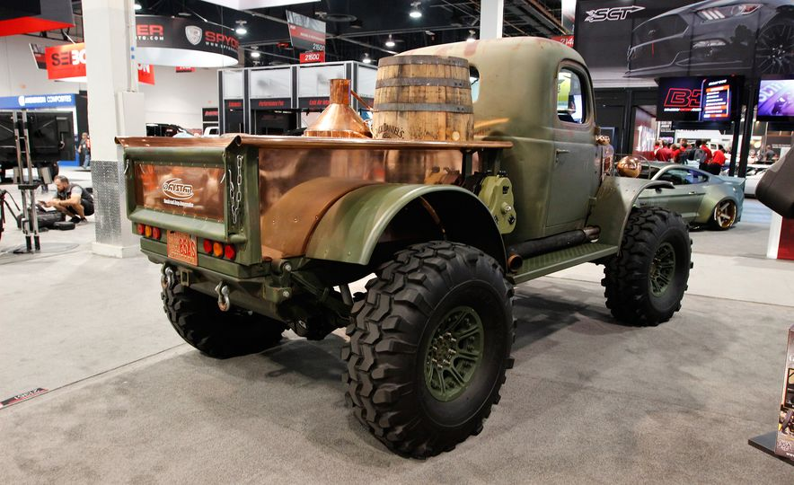 The Best of SEMA 2016, Day One: A Batmobile, Insane Customs, and (of Course) a Tank - Slide 3