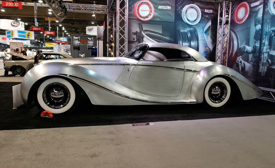 The Best of SEMA 2016, Day One: A Batmobile, Insane Customs, and (of Course) a Tank - Slide 7