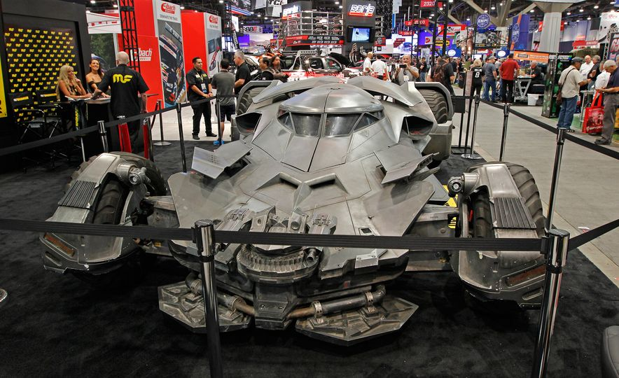 The Best of SEMA 2016, Day One: A Batmobile, Insane Customs, and (of Course) a Tank - Slide 10